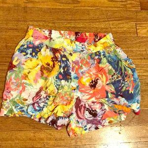 H&M flowly floral shorts
